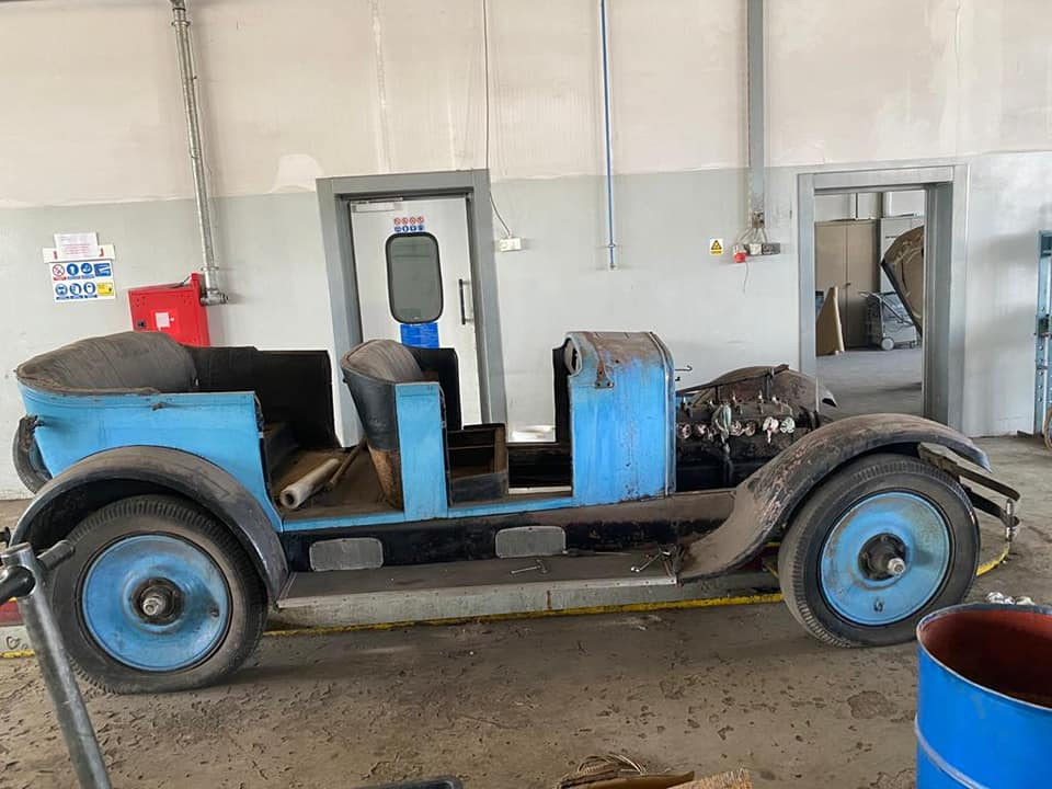 Demontaža automobila Oakland True Blue Six iz 1925. godine